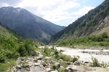 Долина реки Местиачала