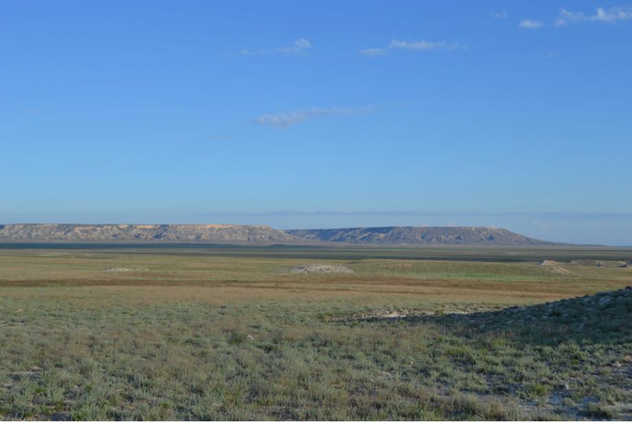 Вот так выглядит вдалеке плато, на которое мы поднялись на следующий день.